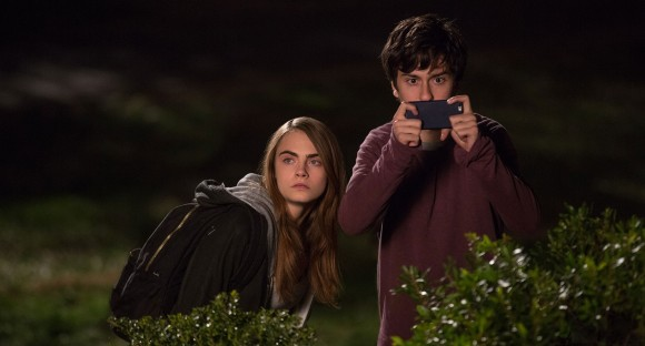 Margo (Cara Delevingne) and Quentin (Nat Wolff)