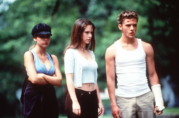 Helen (Sarah Michelle Gellar), Julie (Jennifer Love Hewitt), Barry (Ryan Phillippe)