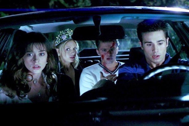 Julie (Jennifer Love Hewitt), Helen (Sarah Michelle Gellar), Barry (Ryan Phillippe), Ray (Freddie Prince Jr.)