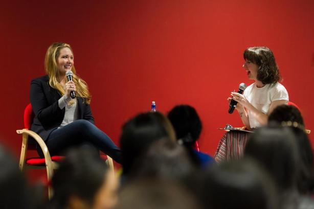 Jenna from Time Out Bookstore and Sarah J. Maas. Photo credit: Auckland Libraries