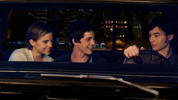 Sam (Emma Watson), Charlie (Logan Lerman), Patrick (Ezra Miller)