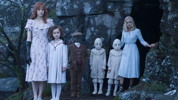 Olive (Lauren McCrostie), Bronwyn (Pixie Davies), Millard (Cameron King), Twins (Joseph and Thomas Odwell), Emma (Ella Purnell)